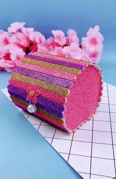 Diy Crafts For Home Decor, Diy Crafts Hacks, Diy Crafts For Gifts, Craft Stick Crafts, Creative Crafts, Popsicle Crafts, Cool Paper Crafts, Paper Crafts Origami, Fun Crafts