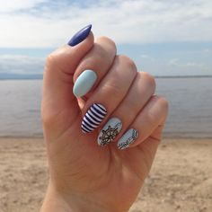 August nails, Celestial blue nails, Marine nails, Nail art stripes, Nails nautical, Nails trends 2016, Oval nails, Resort nails