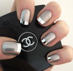 Nail art of all kinds is having a major moment right now. What happens when you combine the best metallic nail polish with the hottest nail trends? Silver Nail Art, Metallic Nail Polish, Nail Polish Colors, Manicure Colors, Chrome Nails, Matte Nails, Acrylic Nails, Classy Nails, Stylish Nails