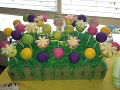Pretty Flower Cake Pops Flower Cake Pops, 60 Birthday, Cakepops, Marshmallows, Holiday Treats, Pretty Flowers, Truffles, Babyshower, Grass
