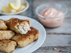 Salmon and haddock fish cakes with tomato mayo