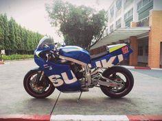 Suzuki Gsx R, Gsxr 1100, Suzuki Motorcycle, Engin, Street Tracker, Cars And Motorcycles, Motorbikes, Racing, Retro