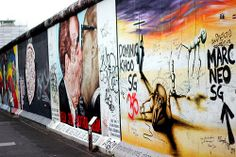 O que restou do Muro de Berlim. East Side Gallery, Berlin, Sweet, Painting, Berlin Wall, Candy, Painting Art, Paintings, Painted Canvas