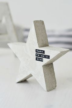 concrete star and letter inspiration   |   s i n n e n r a u s c h