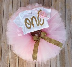 Gold first birthday bodysuit and Pink Tutu, Glitter gold One onesie, Girls first birthday outfit, Cake smash tutu, Gold Birthday Outfit