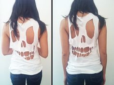 We want your skull (in a thats-our-favorite-Misfits-song kind of way), Hurley Girls Thanks Hurley! Diy Halloween Skull tee, done did it! Do It Yourself Baby, Do It Yourself Fashion, Look Fashion, Diy Fashion, Fashion Trends, Diy Vetement, Skull Shirts, Skull Tank, Diy Couture