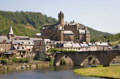 Estaing et son château médiéval conservé