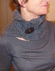 Voici une nouvelle déclinaison du col asymétrique réalisé il y a quelques temps pour Elise ( ICI ).       Cela faisait un moment que je v... Couture, Turtle Neck, Paris, Knitting, Moment, Voici, Sweaters, Crochet, Easy
