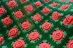 Bom dia fiorellini, tudo bem ??  gente que trabalho encantador, estou apaixonada por essas coberta de crochê vintage.  vou guardar a inspir...