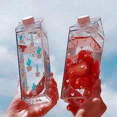 Plastic Drink Bottles, Cute Water Bottles, Aesthetic Food, Pink Aesthetic, Water Aesthetic, Aesthetic Japan, Aesthetic Drawing, Kino Box, Cupped Hands