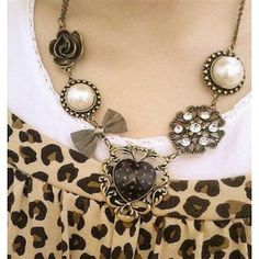 Vintage Flower Alloy Necklaces for Christmas Gift