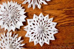 Here's a different type of paper snowflake to make for the winter season - 3D medallion snowflakes.