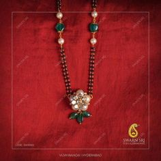 Gold Mangalsutra Designs, Gold Earrings Designs, Gold Jewellery Design, Necklace Designs, Hand Jewelry, Beaded Jewelry, Indian Jewelry Sets, Gold Jewelry Simple, Silver Anklets