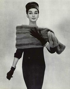 Jacky Mazel in elegant wool sheath worn with Autumn Haze EMBA mink stole that ties on the side by Christian Dior photo by Pottier 1956 Vintage Dior, Vintage Couture, Mode Vintage, Vintage Glamour, Vintage Beauty, Vintage Dresses, Vintage Outfits, Vintage Hats, Vintage Style