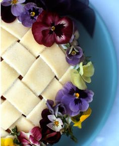 Pansies on a pie ❤❦♪♫ picture only - so pretty!