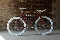 Made from full grain leather Fyxation's leather beer caddy is the perfect companion for a night out on your bike. Made right here in Wisconsin by local craftsmen, we are proud to offer this latest edi