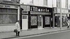 A visit to Di Mascio& on Marlborough Street, the oldest fish and chip shop in Dublin. Old Pictures, Old Photos, Fish And Chip Shop, Images Of Ireland, Classic Photography, Photo Engraving, Dublin City, Fish And Chips, Dublin Ireland