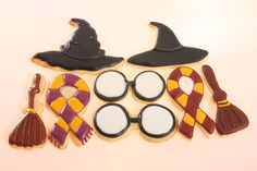 Harry Potter Cookies - I like how the ribbon cutter was used for the scarves!  Awesome!