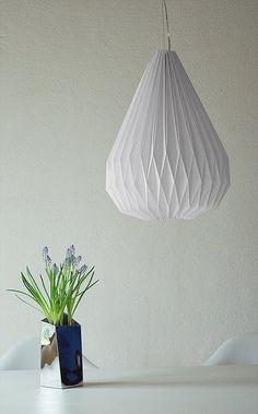 DIY - Origami Lampe - ... geschafft ... ich hab uns eine eigene Lampe in Tropfenform gezaubert