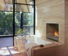 Bathtub/jaquzzi--would never leave the tub