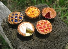 Mini Pies Upcycled Bottle Caps  - for fairy garden