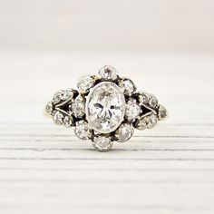 Antique engagement ring White gold, please!!!
