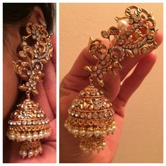 Jewels & accessories that are used to embellish strong, beautiful, and classy women á la couture. Gold Jhumka Earrings, Indian Jewelry Earrings, Jewelry Design Earrings, Gold Earrings Designs, Indian Wedding Jewelry, India Jewelry, Ear Jewelry, Bridal Jewelry, Silver Jewelry