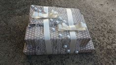 Packaging of gifts. Packaging of gifts in the paper. Decoration lavender. Lavender. Gifts. Wedding. The decoration for the wedding. young ladies.
