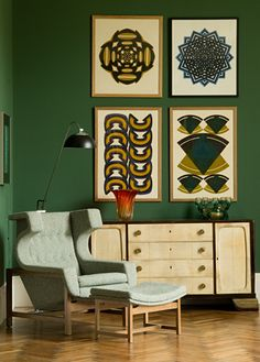 The framed art really pops on this wall! #green