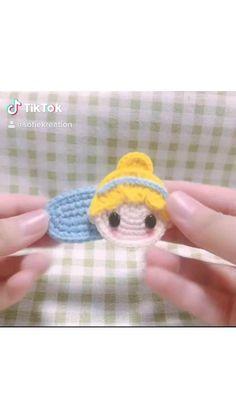 Kawaii Crochet, Cute Crochet, Crochet Crafts, Crochet Dolls, Crochet Projects, Crochet Basket Pattern, Crochet Toys Patterns, Crochet Stitches, Crochet Hair Clips