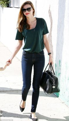 The secret behind her skinnies: Miranda Kerr seen here in October 2013 is a big fan of Melbourne-based denim brand Nobody and almost always wears their skinny jeans Source by outfits Estilo Miranda Kerr, Miranda Kerr Style, Miranda Kerr Outfits, Miranda Kerr Fashion, Look Fashion, Fashion Outfits, Womens Fashion, Curvy Fashion, Ladies Fashion