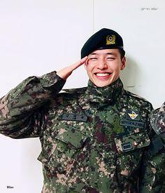 Korean Star, Korean Men, Korean Actors, Korean Military, Military Men, Kang Haneul, Ok Taecyeon, Kim So Eun, Cute Korean