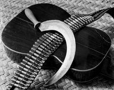 Tina Modotti, Hoz, canana y guitarra, 1927.