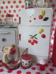 Image detail for -Toy Tin Refrigerator Wolverine Co Cherry Kitchen Child Play Tin Toy ...