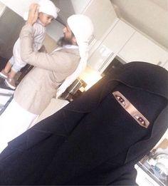 Family Life . Halal Love ♡ ❤ ♡ Muslim Couple ♡ ❤ ♡ Marriage In Islam ♡ ❤ ♡. . Follow me here MrZeshan Sadiq