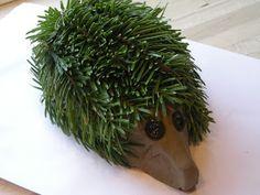 Pindsvinene her er blevet til med udgangspunkt i det udtjente juletræ og en pakke ler, tilovers fra julens dekorationer. Du skal bruge en ...