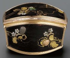 A Rare Early Louis XV Gold Mounted Japanese Lacquer Snuff Box, 1733