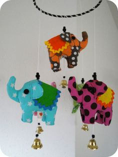 LaRaLiL: Free sewing pattern and instructions for Circus Elephant mobile