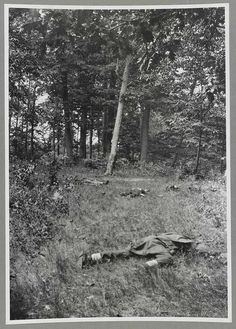 Soldiers killed during the First Battle of Bull Run, possibly the earliest surviving Civil War photograph to document the dead after a battle, July 1861. [734x1024] - Imgur