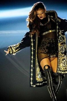 5f0f7c92ee13e 32 Best Celebrity Style images | Celebs, Rihanna concert, Rihanna fenty