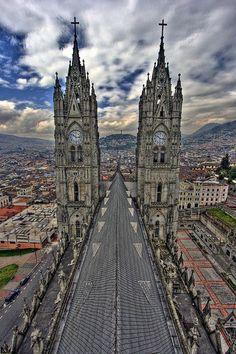 ECUADOR |||||||||| QUITO. Basilica del Voto Nacional.