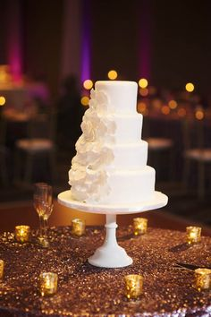 Stunning all white wedding cake