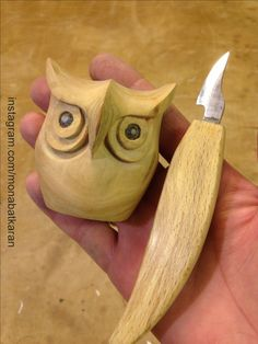 owl with my handmade wood carving blade . - Tom's Woodworking ShedCarving owl with my handmade wood carving blade . - Tom's Woodworking Shed Simple Wood Carving, Dremel Wood Carving, Wood Carving Art, Carving Tools, Whittling Projects, Whittling Wood, Wood Carving Designs, Wood Carving Patterns, Wood Carving For Beginners