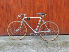 Classic Vintage Cycling — 1937 La Francaise Diamant (AJ/flickr)