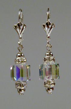 Kristallwürfelohrring von Swarovski AB by edenmb on Etsy - Anhänger - Earrings Crystal Jewelry, Wire Jewelry, Jewelry Crafts, Beaded Jewelry, Jewelery, Jewelry Logo, Jewelry Quotes, Pearl Jewelry, Jewelry Ideas