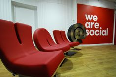 TABISSO.com - Office Project Lobby - TYPOGRAPHIA Lounge Chairs - Client We Are Social Paris - Interior Designer Avant-Plans