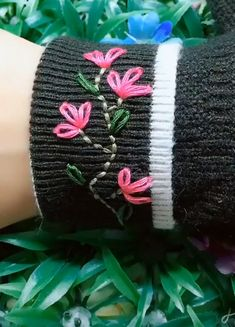 Best Embroidery Ideas - New Ideas Hand Embroidery Videos, Embroidery On Clothes, Hand Embroidery Stitches, Embroidery For Beginners, Diy Embroidery, Embroidery Techniques, Hand Embroidery Patterns Free, Knit Patterns, Christmas Embroidery Patterns