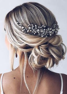 The Best And Most Loved Bridal Hairstyles 2019 - Page 30 of 34 - belikeanactress. com The Best And Most Loved Bridal Hairstyles 2019 - Page 30 of 34 - belikeanactress. Top Hairstyles, Formal Hairstyles, Short Hairstyles For Women, Wedding Hairstyles, Bride Hairstyles For Long Hair, Wedding Hair Side, Wedding Hair And Makeup, Wedding Updo, Bridesmaid Hair