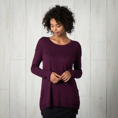 Toad & Co. Gypsy Crew Sweater - Womens This wonderful long sweater from is great when paired with leggings or a great skirt for Fall! Winter Sweaters, Long Sweaters, Toad And Co, Aventura Clothing, Expensive Clothes, Sweater Making, Purple Sweater, Sweater Shop, Complete Outfits
