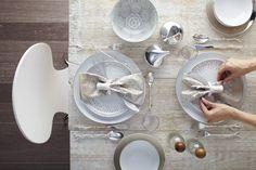 Holiday Table Settings Scandinavian Modern